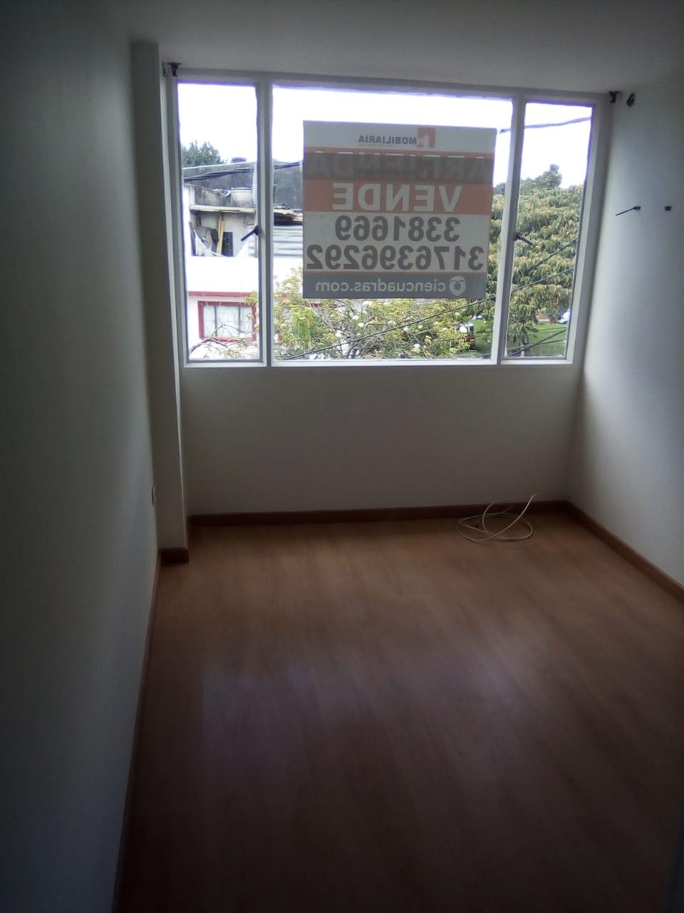 Foto 21 tercer piso alcoba a la calle
